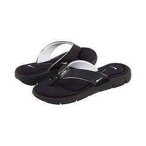 NIKE Womens Comfort Thong Sandals Shoe, Black/White