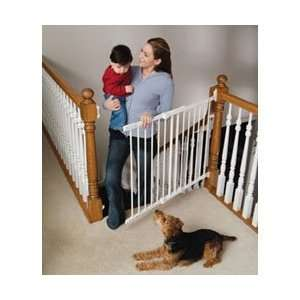 KidCo Angle Mount Safeway Gate   White Baby