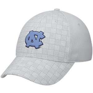 Nike North Carolina Tar Heels (UNC) Silver Weave Pattern Swoosh Flex