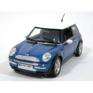 2006 Mini Cooper diecast model race car 118 die cast by