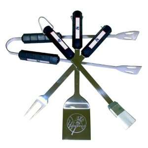 New York Yankees   Logo 4 Piece BBQ Utensil Set Sports
